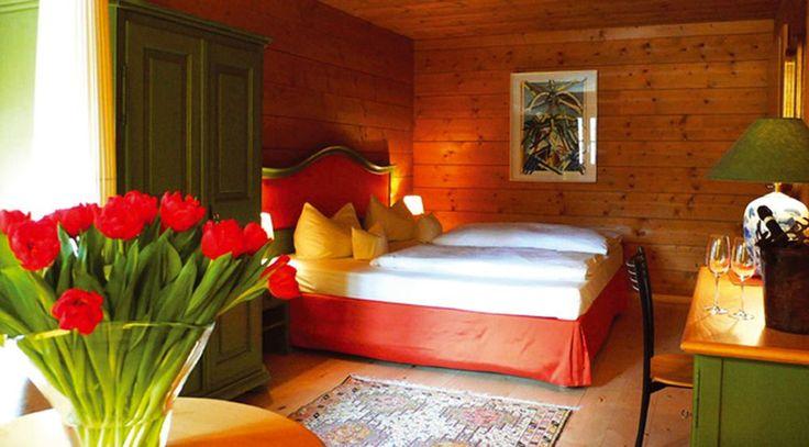 Bilder vom Hotel Hirschen und der Region Bregenzerwald. Machen Sie sich schon vor Ihrem Urlaub ein Bild des 4-Sterne-Hotels und der wunderbaren Landschaft.