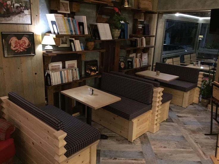 HACIENDA CAFE - καναπέδες από μασίφ ξύλο πεύκου