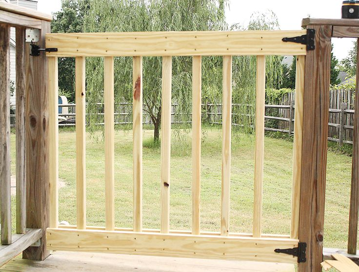 Best 25 Deck Gate Ideas On Pinterest Outdoor Dog Gate