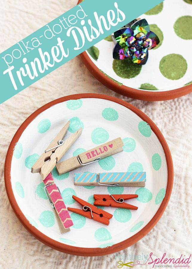 These polka-dotted trinket dishes can be made for less than $1 apiece with terracotta saucers, and they make such cute, easy gifts!Diy Polka Dots, Gift Ideas, Positive Splendid, Dots Chairs, Trinket Dishes, Polka Dots Crafts, Handmade Gift, Diy Polkadot, Polka Dots Trinket