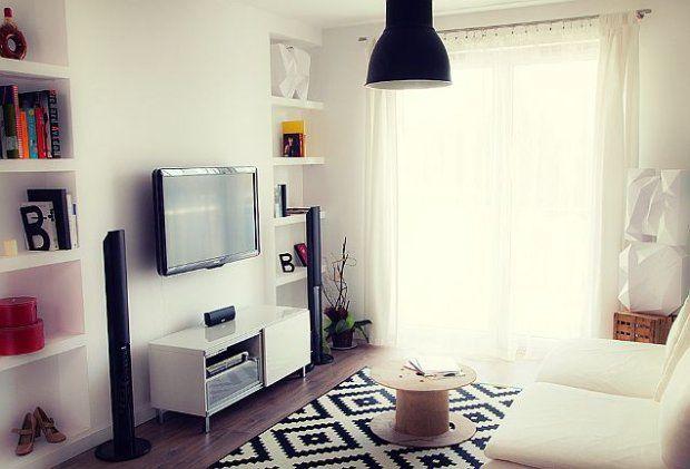 Oto 38 m2 na Białołęce w Warszawie. Przytulne mieszkanie dynamicznej kobiety. Nowoczesne i bardzo wygodne.