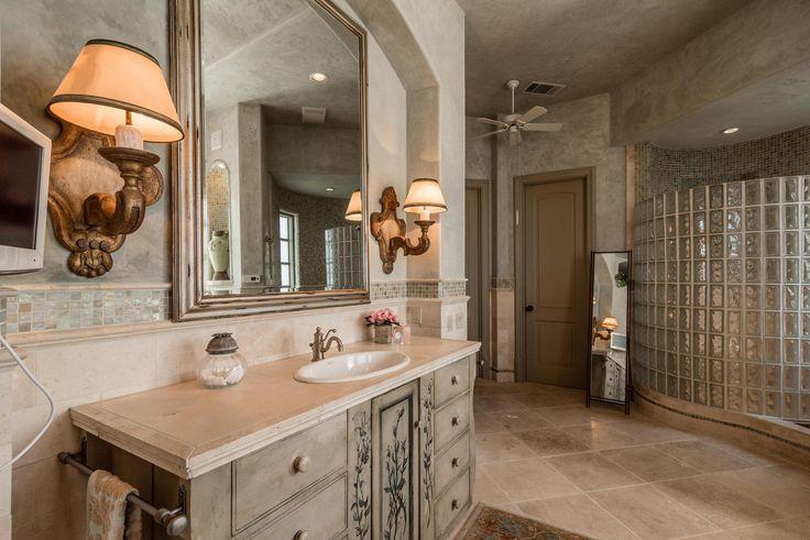 Majestic Estate. 16010 Canard Cir Austin, Texas 78734 United States. Melissa Meeks Kilian.#realestate #texas #luxury #KSIR