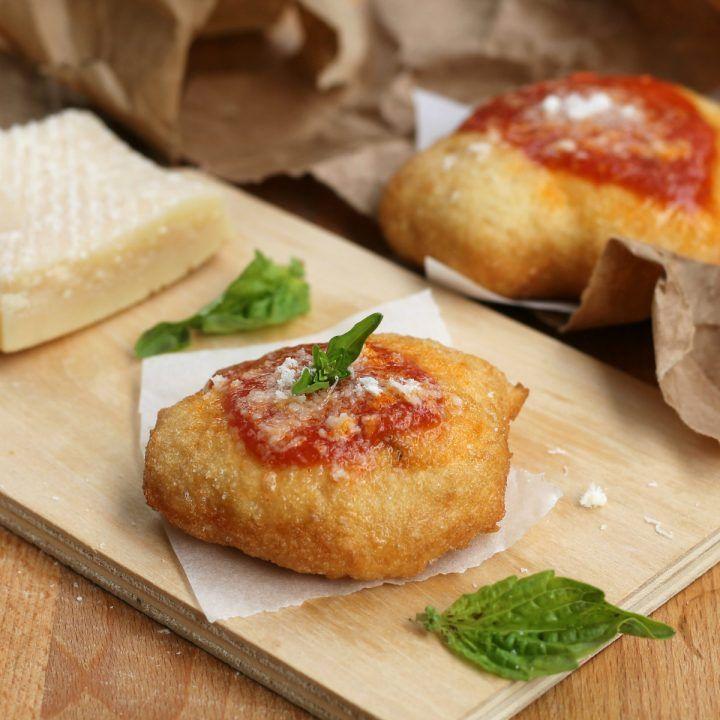 MONTANARE FRITTE NAPOLETANE | pizza fritta | ricetta tipica campana