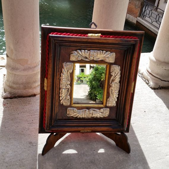 Specchio con cornice in legno di VintageFromVenice su Etsy