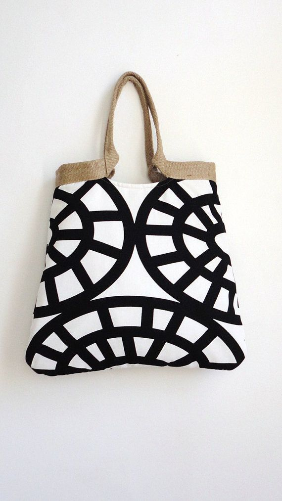 Geometric tote by Made by Nanna