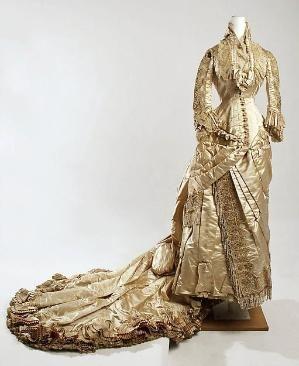 Wedding dress ca 1880 silk, American.