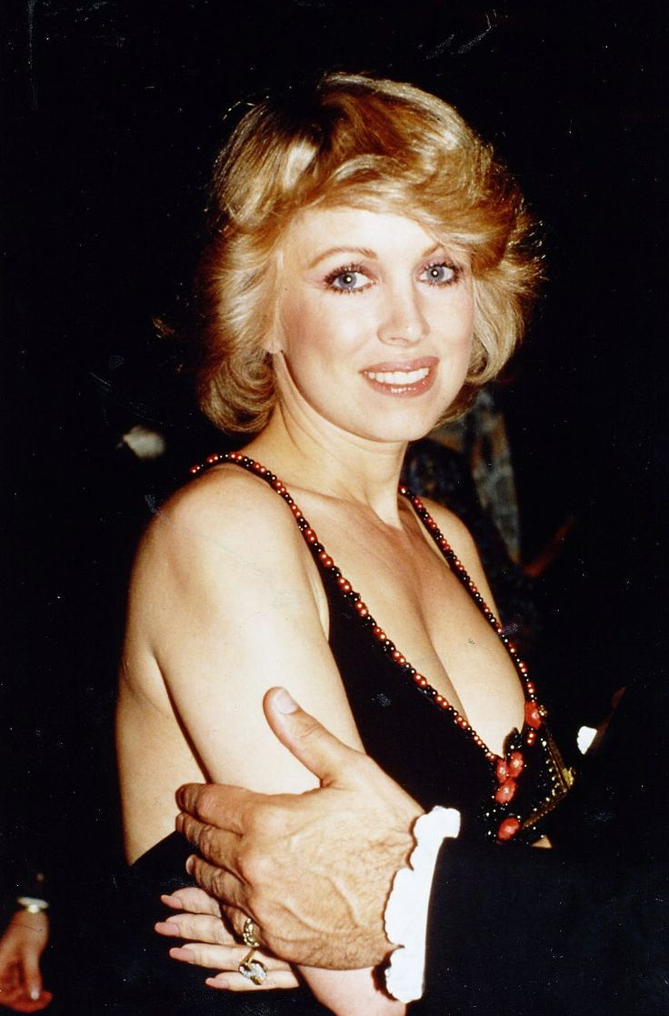 Phyllis Davis Nude Photos 58