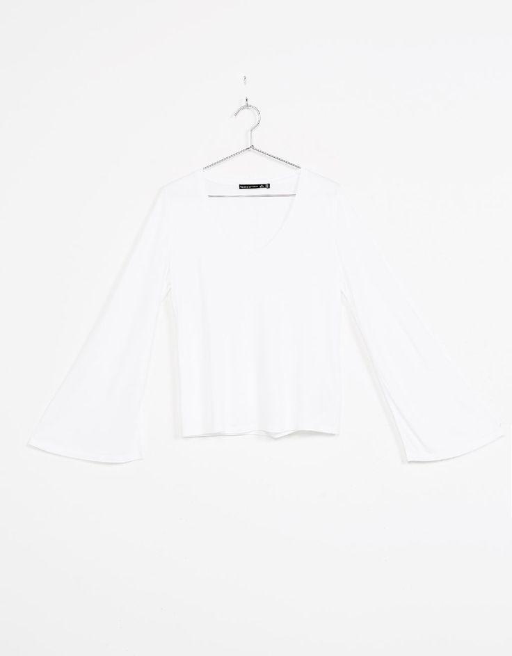 Camiseta viscosa manga campana - Camisetas - Bershka España 4€