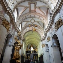 Tyniec Abbey sightseeing. Excellent, licensed Krakow guide will show You the oldest monastery in Poland (Benedictine Abbey - church, cloister and museum).