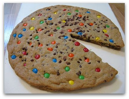 cookie cake/giant cookie