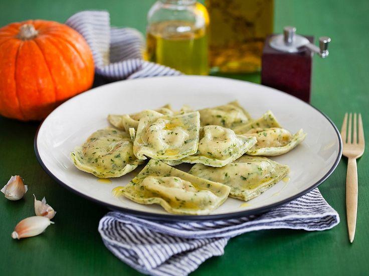 Рецепт: Зеленые равиоли с тыквенной начинкой в мультиварке