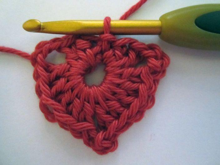 Hier is het derde patroon van de winterslinger ; een hart.