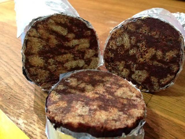 Patrícia is cooking.: Salame de chocolate {vegan, integral, sem açucar}