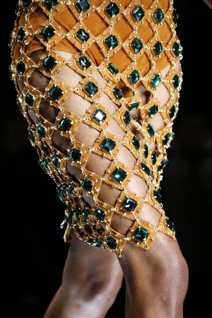 Balmain Spring 2016 Ready-to-Wear Fashion Show Details