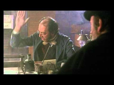 """¿Va usted a poner la guillotina en la Puerta del Sol? "" - El maestro de esgrima - YouTube"