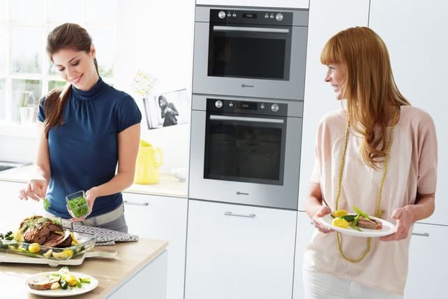 "Bauknecht wins several awards – including Gold for ""Best of the Best""    Bauknecht received a total of four of these awards: for its oven featuring PureClean technology, for the design of the side-by-side refrigerator KGK 360, for the six-litre dishwasher and the induction hob ETPI 8950. http://lakbermagazin.hu/lakberendezes-design-hirek/1534-a-bauknecht-marka-2012-ben-tobb-az-ev-konyhai-ujitasa-termekdijat-is-elnyert.html"