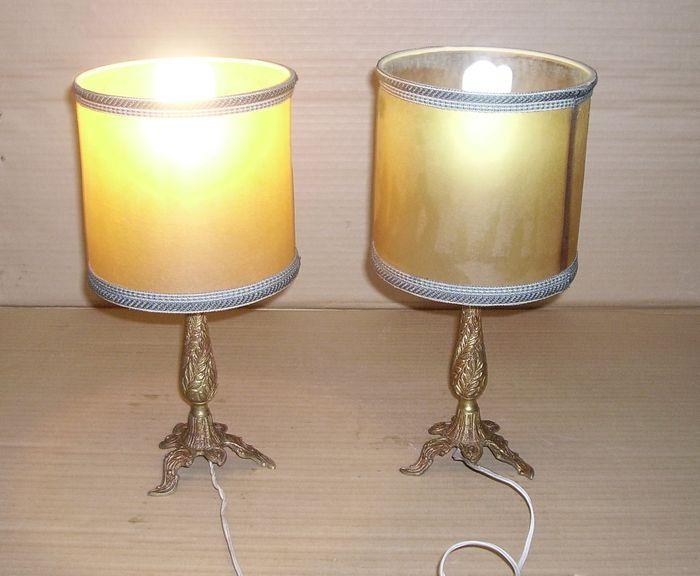 catawiki pagina online de subastas antiguas dos lamparas de mesilla de noche de pie de bronce