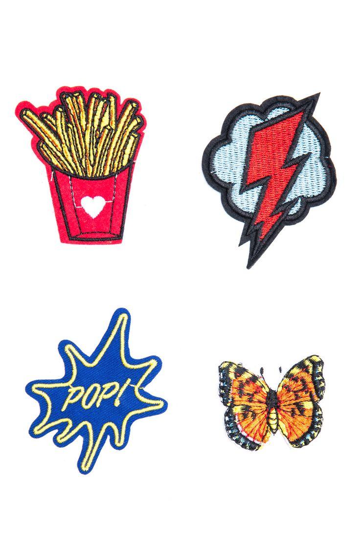 Kit com quatro apliques termocolantes sendo um raio, um balão pop, uma borboleta e uma bata frita. É hora de apostar no colorido para incrementar a jaqueta, o j...