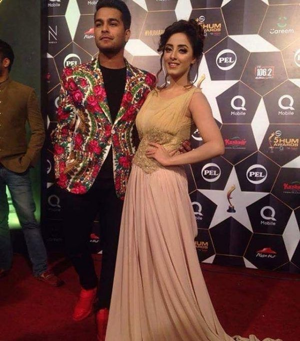 TBW Fashion Police Alert: Hum Awards 2017 | The Blush Works