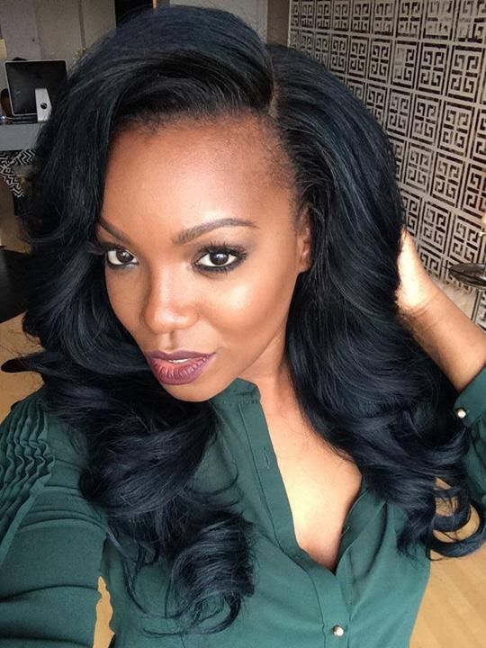 Gorgeous hair and makeup by hairstylist and makeup blogger, Tiarra Monet!!...Just love this sophisticated and sexy look!!...❤️