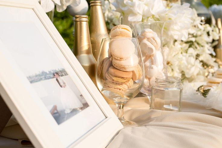 The Oriental Theme for wedding is luxury with gold,white and cream color. We are decorated with pastel desserts as macaron and merlin at Buddy Garden ,Buddy Oriental Riverside