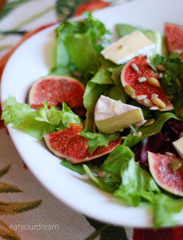 figs, camembert cheese, seeds salad with honey dressing