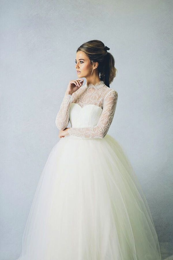 elizabeth stuart mary wedding dress