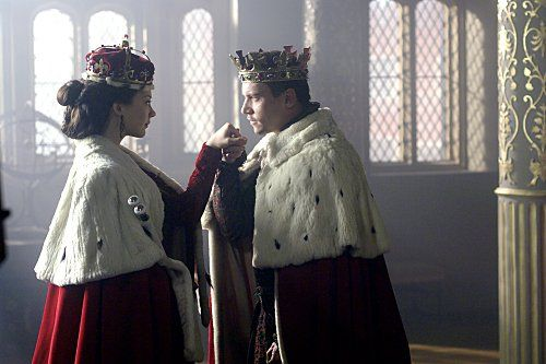 Still of Jonathan Rhys Meyers and Natalie Dormer in The Tudors (2007)