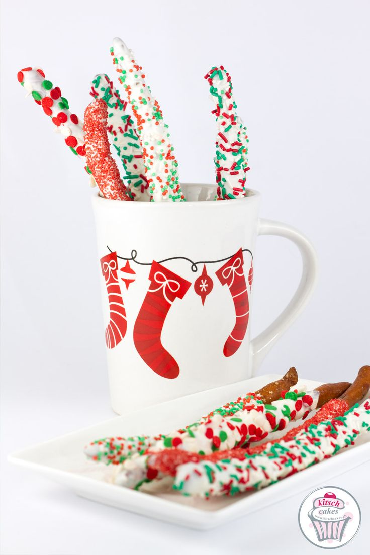 Chocolate pretzels sticks recipe. Perfect christmas recipe !!! Recette de bâton de bretzel au chocolat. Parfait pour Noël !!! Schokoladen-Bretzel Rezept. Für Weuhnachten !!!