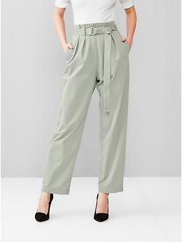 What in the every loving hell is this, Gap? This looks like a bad pair of 90s mom trousers! Very few people are going to be able to pull this off.