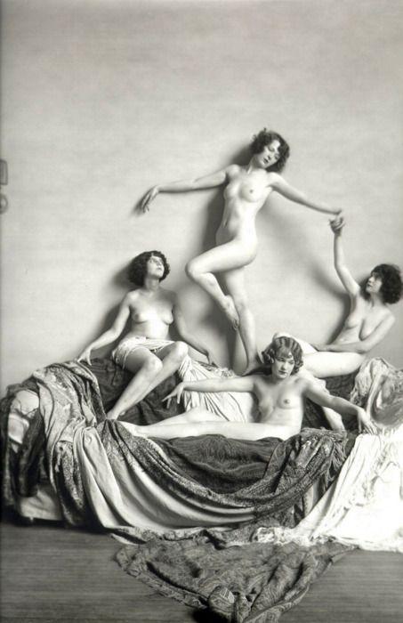 Ziegfeld Girls, 1920s, photo by Alfred Cheney Johnston