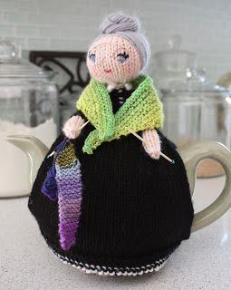 Knitted Tea Cozy: madly off in all directions
