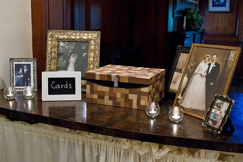 How to make your own wedding card box. Such a cute idea for a wedding gift table, wedding photos of your parents and grandparents either side.