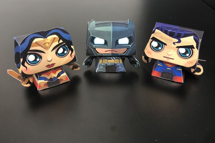 Wonder Woman, Batman & Superman Papercraft (My build-up)  -Credit to Gus Santome