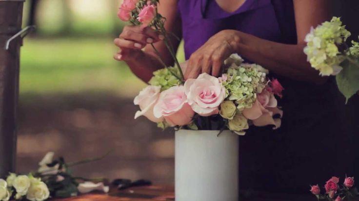 E7 Como hacer un arreglo de rosas y hortensias Escuela floral LA VIOLETERA