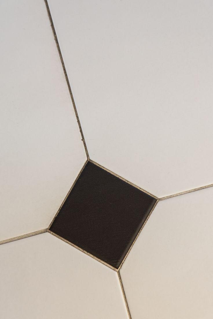 #Viverto #inspiracjeViverto #łazienka #bathroom #tiles #płytki #kolory #inspiracja #inspiracje #pomysł #idea #perfect #beautiful #nice #cool #wnętrze #design #wnętrza #wystrójwnętrz #łazienki #pięknie #podłoga floor #light #white #biel #mozaika #niebanalnie #kolory #kolorowo #mozaika #trendy #modnie #retro
