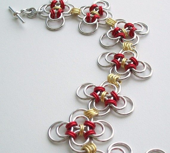"""Japanese Variant Chain Mail Bracelet, Red and Gold """"Four Leaf Clover"""" Chainmaille Jewelry on Etsy, $34.00"""