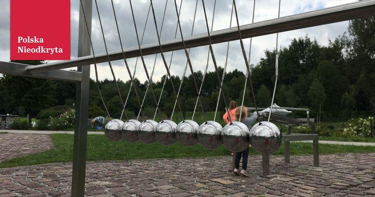 Czym jest edutainment? To edukacja i rozrywka w jednym. W Polsce idea chyba jeszcze mało popularna, choć zaczynają powstawaćtakie miejsca. Jednym z nich jestOgród Doświadczeń im. St. Lema.