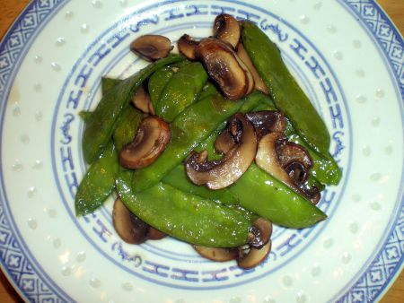 Pea Pods with Fresh Mushrooms
