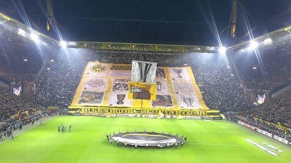 Fani Borussii Dortmund są po prostu fantastyczni • Oprawa kibiców przed meczem Borussia Dortmund vs FC Porto w Lidze Europy • Zobacz >> #bvb #borussia #football #soccer #sports #pilkanozna