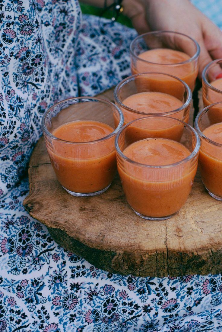 Gaspacho de tomates, rhubarbe et basilic