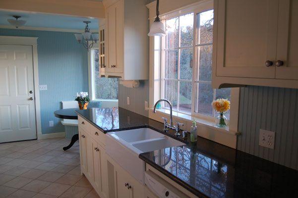 Kitchen window: Remodel Ideas, Window Ideas, Cute Ideas, Cabinet, Place Ideas, Dark Counter, Angle