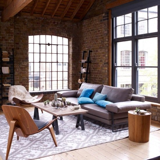 Leather and wood living room // living room