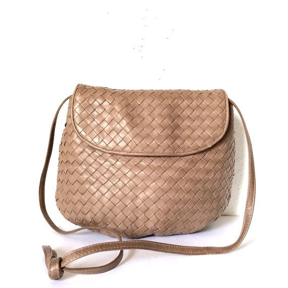 f91c70b48914 Authentic BOTTEGA VENETA Vintage Intrecciato Soft Woven Leather Hobo Crossbody  Bag Purse