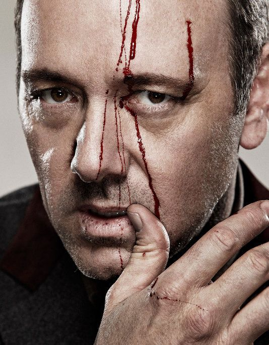 Kevin Spacey has been turning me on lately with those intense calculating eyes that reveal his sophisticated wit that comes from experience and age. Oh la la!!