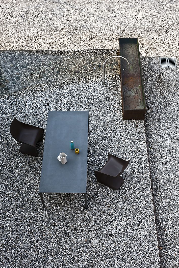 Pulp, a chair designed by Christophe Pillet and produced by Kristalia in polypropylene in various colours.Boiacca table, produced as a result of the company's partnership with the creative couple LucidiPevere, stands out for its material, typically used for modern architecture, which has been taken to the limit and is also increasingly used in the design field: cement.
