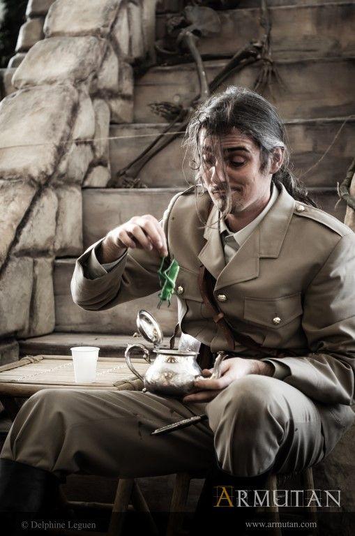 ©#armutan ©#delphineleguen #explorateurs #aventuriers #uniforme #thé #jungle #temple #britisharmy #spectacle #comédie