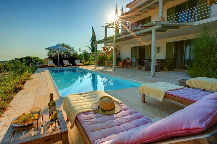 Villa Asterias has three bedrooms and can accommodate large families and groups of friends!