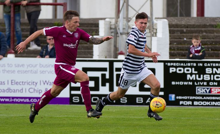 Queen's Park's Ewan MacPherson in action during the SPFL League One game between Arbroath and Queen's Park.