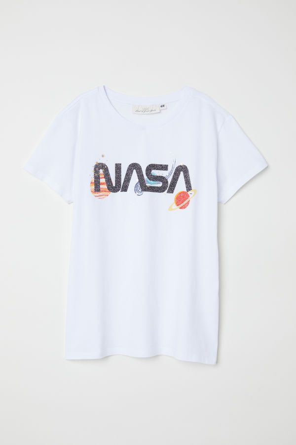 3f1e5fd2 T-shirt with Printed Design | White/NASA | Women | H&M US | Outfits ...